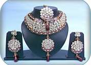 Jewellery/kundan necklace set