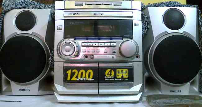 Philips 3CD changer & Home Theature (1200 W PMPO with speaker) for Sell in exclusive rate
