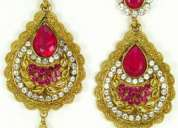 Hiii..give your near one a beautiful collections of earrings.